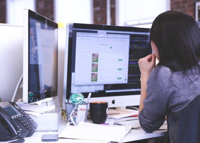 Usługi informatyczne dla firm - czy warto?